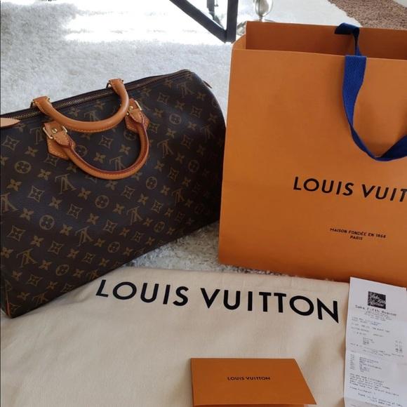 Louis Vuitton Handbags - Authentic Louis Vuitton speedy 40 like new